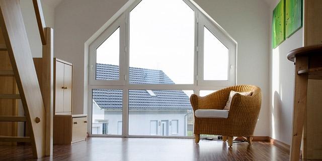 ber uns wir suchen st ndig. Black Bedroom Furniture Sets. Home Design Ideas